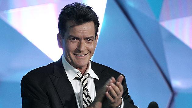"""Charlie Sheen: """"48? Ich sehe aus wie 28!"""" (Bild: AP)"""