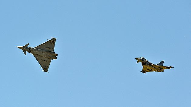 Der Geheimvertrag zum Eurofighter-Skandal (Bild: APA/HERBERT NEUBAUER)