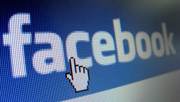 Hass-Posting auf Facebook kostet Grazerin den Job (Bild: dpa/Stephan Jansen)