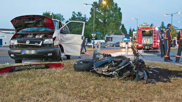 33-jähriger Biker stirbt bei Kollision mit Transporter (Bild: APA/WOLFGANG MOSER/FMT-PICTURES)