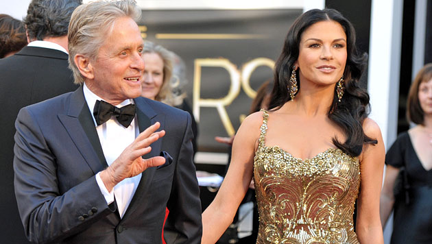 Ehe von Douglas und Zeta-Jones vor dem Aus? (Bild: AP)