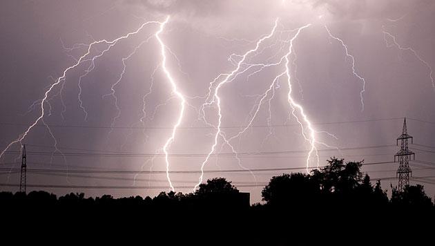60-jähriger Jäger von Blitz getroffen - tot (Bild: AP)