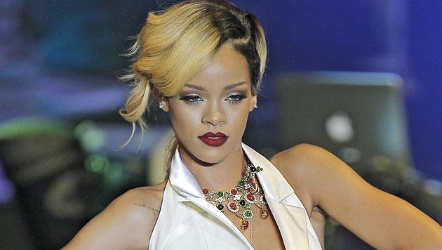 Rihanna: Begräbnis der Oma nicht bezahlt - Klage (Bild: AP)