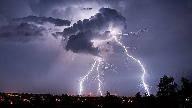 Rund 100 Tote durch Blitzeinschl�ge in Indien (Bild: APA/dpa/Florian Gaertner (Symbolbild))