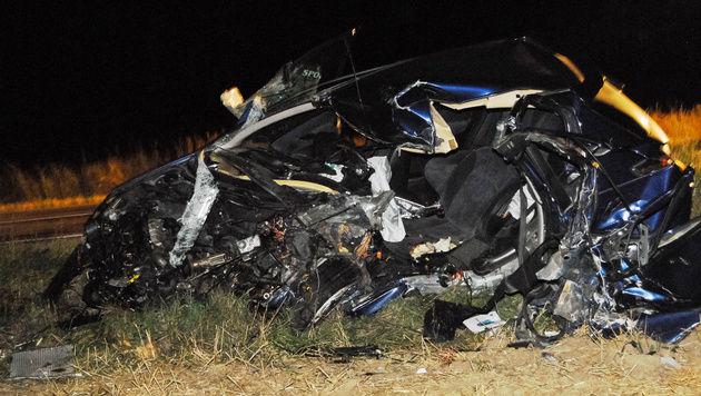 Verkehrsunfall fordert eine Tote und 2 Verletzte (Bild: Einsatzdoku.at)