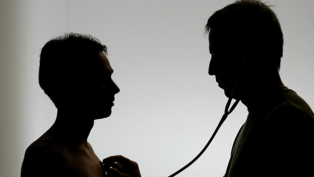 34 Ärzte in Kärnten unter Betrugsverdacht (Bild: dpa-Zentralbild/Soeren Stache)