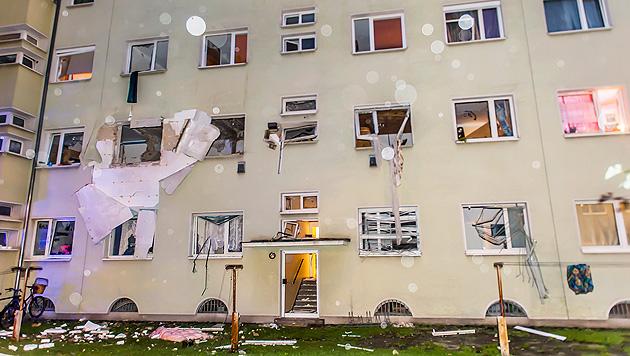 OÖ: Gasexplosion fordert 12 teils schwer Verletzte (Bild: APA/FOTO-KERSCHI.AT/WERNER KERSCHBAUMMAYR)