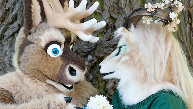 Fuchs, Hase und Co. treffen sich in deutschem Zoo (Bild: EPA)