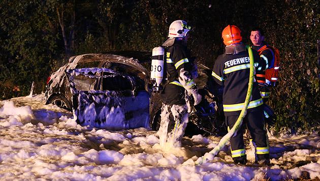 Epileptiker nach Unfall aus brennendem Pkw befreit (Bild: Matthias Lauber)