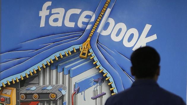 Facebook sagt Werbe-Blockern den Kampf an (Bild: AP)