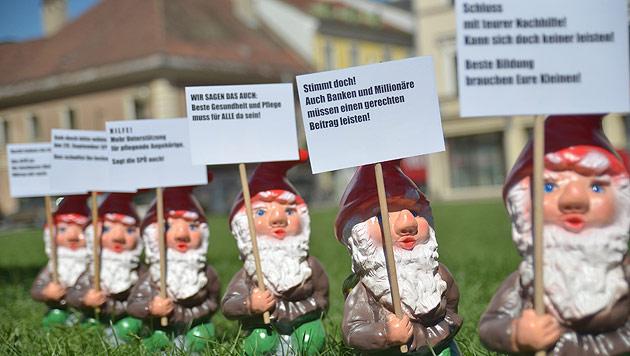 Kärntner Jung-SPÖler werben im Schneemannkostüm (Bild: APA/SPÖ Kärnten)