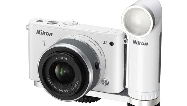 Nikon präsentiert Coolpix-Modelle P7800 und S02 (Bild: Nikon)