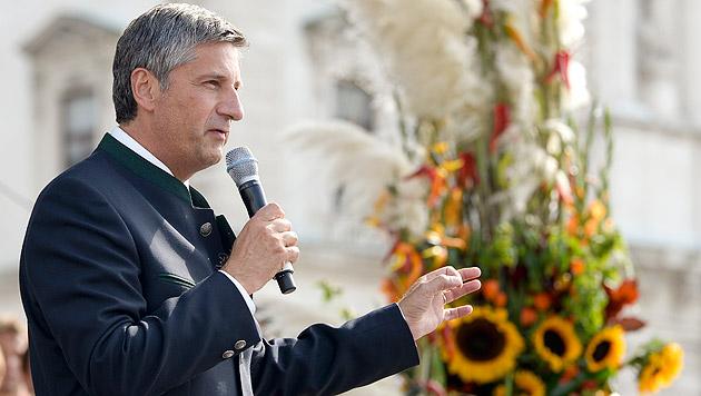 ÖVP-Chef warnt zu Erntedank vor Eigentumssteuern (Bild: APA/Herbert Neubauer)