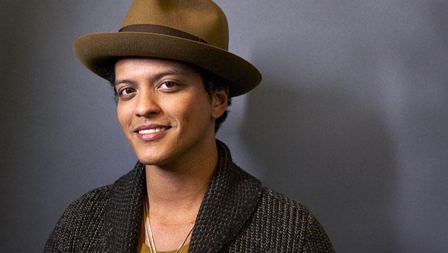 Grammy-Gewinner Bruno Mars rockt den Super Bowl (Bild: AP)