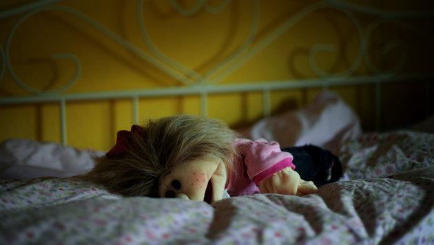 Junger Vater missbrauchte vierjährige Tochter (Bild: dpa/Uwe Zucchi)