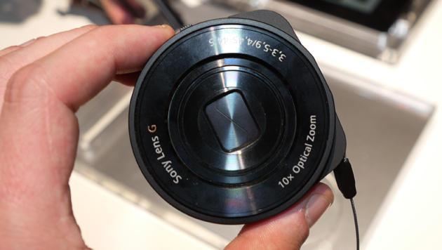 IFA: Sonys QX-Aufsteckobjektive ausprobiert (Bild: Dominik Erlinger)