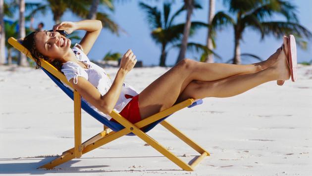 So sparen Sie beim Handy im Urlaub (Bild: thinkstockphotos.de)