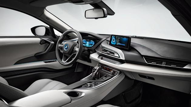 Vernetzte Wagen mit Autopilot und SIM-Karte kommen (Bild: BMW)
