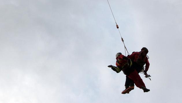 Bergretter stürzt 200 Meter tief in den Tod (Bild: APA/EXPA/JOHANN GRODER (Symbolbild))
