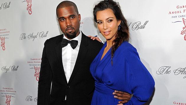 Kim und Kanye wollen mit Baby auf Tour gehen (Bild: AP)