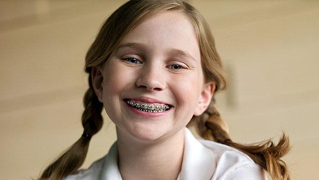 Gratis-Zahnspange ist ab Juli 2015 Realität (Bild: thinkstockphotos.de)