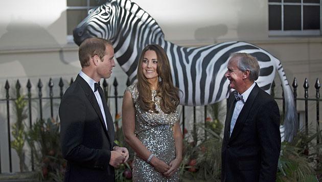 Kate überstrahlt bei erstem Gala-Auftritt alle (Bild: AP)