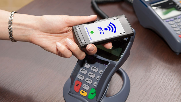 Bezahlen mit dem Handy: Experte zweifelt an Erfolg (Bild: thinkstockphotos.de)