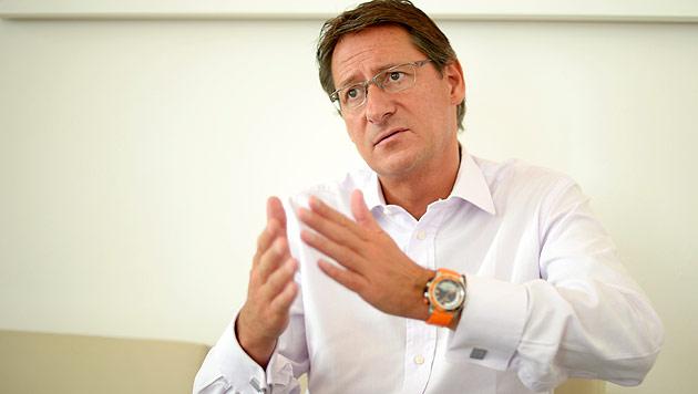 Bucher bietet NEOS Zusammenarbeit an - abgeblitzt (Bild: APA/Roland Schlager)