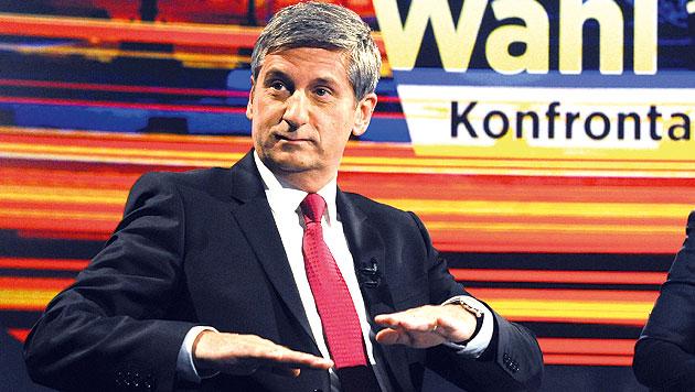 Glawischnig siegt im TV-Duell mit Spindelegger (Bild: APA/HERBERT PFARRHOFER)