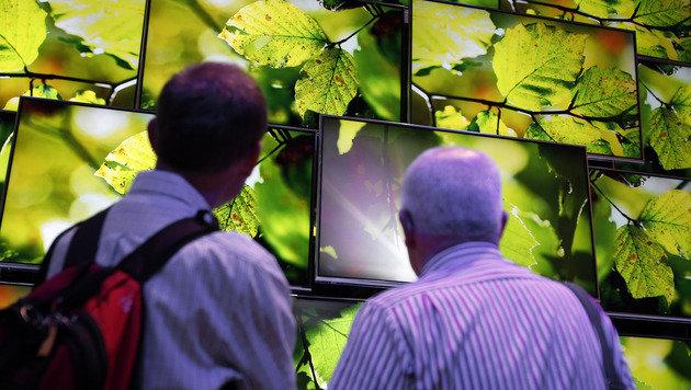 Handel beklagt Umsatzeinbruch bei Flachbild-TVs (Bild: AP)