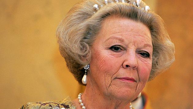 Prinzessin Beatrix nach Sturz im Krankenhaus (Bild: AP)