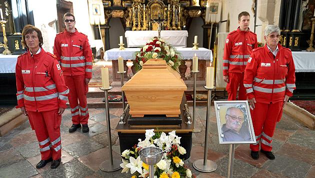 Zwei Opfer nach Wilderer-Drama in NÖ beigesetzt (Bild: APA/ROLAND SCHLAGER)
