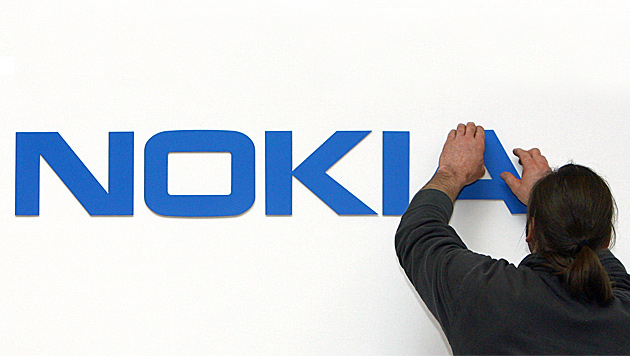 Verkauf von Nokia an Microsoft verzögert sich (Bild: dpa/Fredrik von Erichsen)