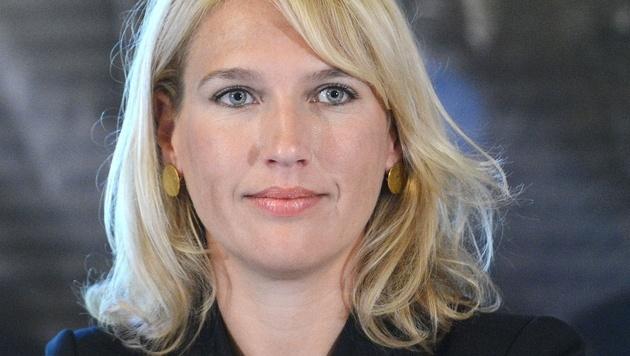 """""""Zugesagt"""": Nachbaur wird Team-Stronach-Klubobfrau (Bild: APA/HELMUT FOHRINGER)"""