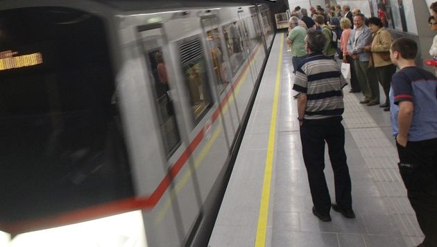 U-Bahn-Schubser: Wirre Aussagen bei Einvernahme (Bild: APA/Herbert Pfarrhofer (Symbolbild))