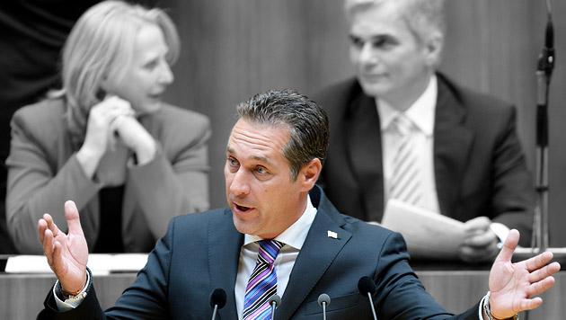 FPÖ-Chef Strache pokert weiter um Rot-Blau (Bild: APA/ROBERT JAEGER, krone.at-Grafik)