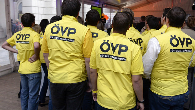 Koalition: ÖVP hält sich noch alle Türen offen (Bild: APA/HANS KLAUS TECHT)