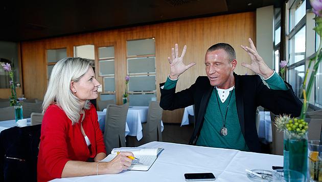 Stefan Petzner sagt zum Abschied leise Servus (Bild: Reinhard Holl)
