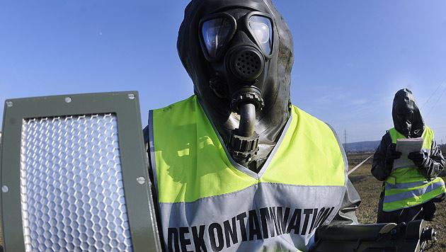 Jetzt drohen Attacken mit tödlichen Chemikalien (Bild: APA/Robert Jäger)