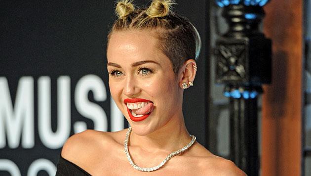 Miley Cyrus ist angeblich mit Liv Tylers Ex liiert (Bild: AP)