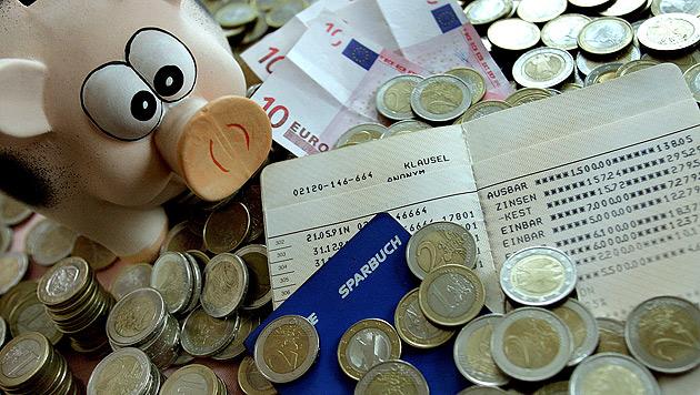 Negativzinsen für Sparer nicht mehr ausgeschlossen (Bild: APA/GUENTER R. ARTINGER)