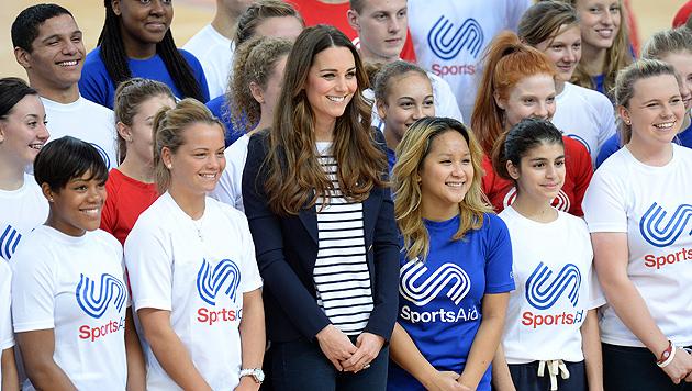 Herzogin Kate nach Babypause wieder top in Form (Bild: EPA)
