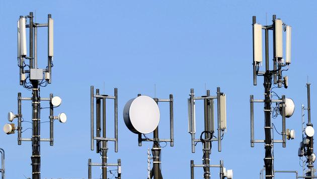 Weichenstellung für Mobilfunknetz der Zukunft (Bild: dpa/Carsten Rehder)
