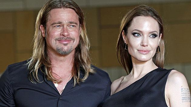Pitt war bei allen OPs von Jolie dabei (Bild: AP)