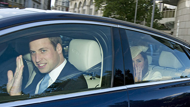 Royales Fest: Prinz George in London getauft (Bild: EPA)