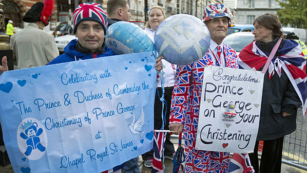 Royales Fest: Prinz George in London getauft (Bild: AP)