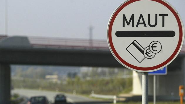 Maut für deutsche Straßen soll nun 2,50 € kosten (Bild: dapd)