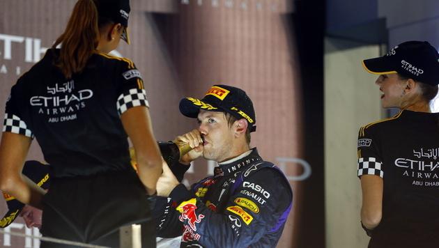 Für Vettel beginnt jetzt der Party-Marathon (Bild: EPA)