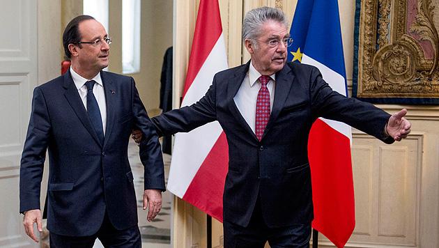 Fischer besucht Frankreichs Präsident Hollande (Bild: AP)