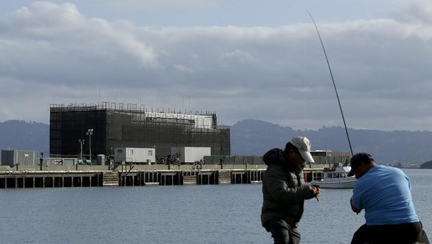 Ominöses Google-Schiff ist neues Info-Zentrum (Bild: AP)